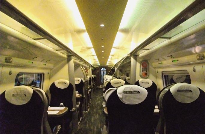 Virgin_Trains_Class_390_Pendolino_First_Class_Interior